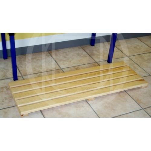 Arredamento spogliatoio pedana in legno pedana poggiapiedi for Arredamento spogliatoi