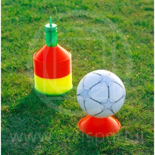Coni delimitatori colorati per allenamento calcio