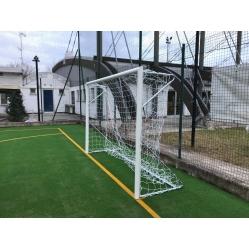 Fussballtore aus Stahl mit Bodenhülsen m 3x2