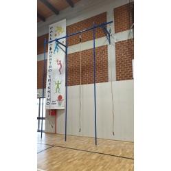 Klettergerüst mit 3 Stangen und 3 Seilen m 5