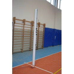 Volleyballanlage aus Aluminium mit Bodenhülsen