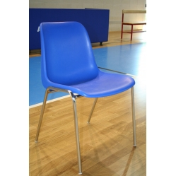 Stuhl aus Plastik